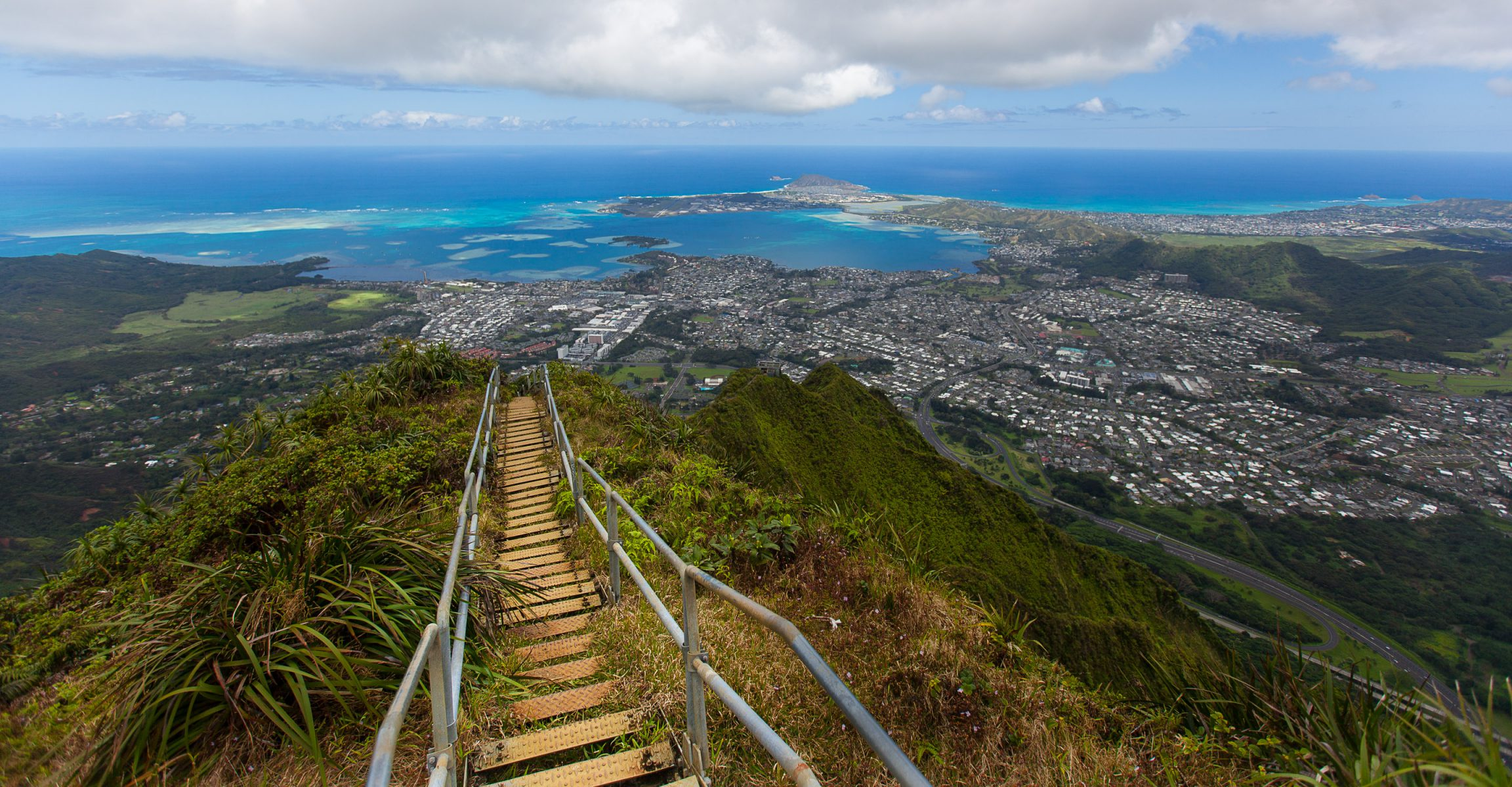 oahu hawaii haiku stairs, stairway to heaven