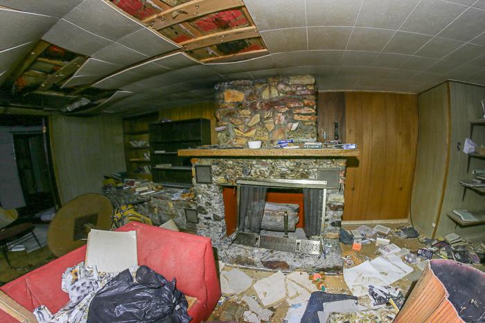 abandoned house of legal prostitution in Nevada, Bobbie's Buckeye Bar.