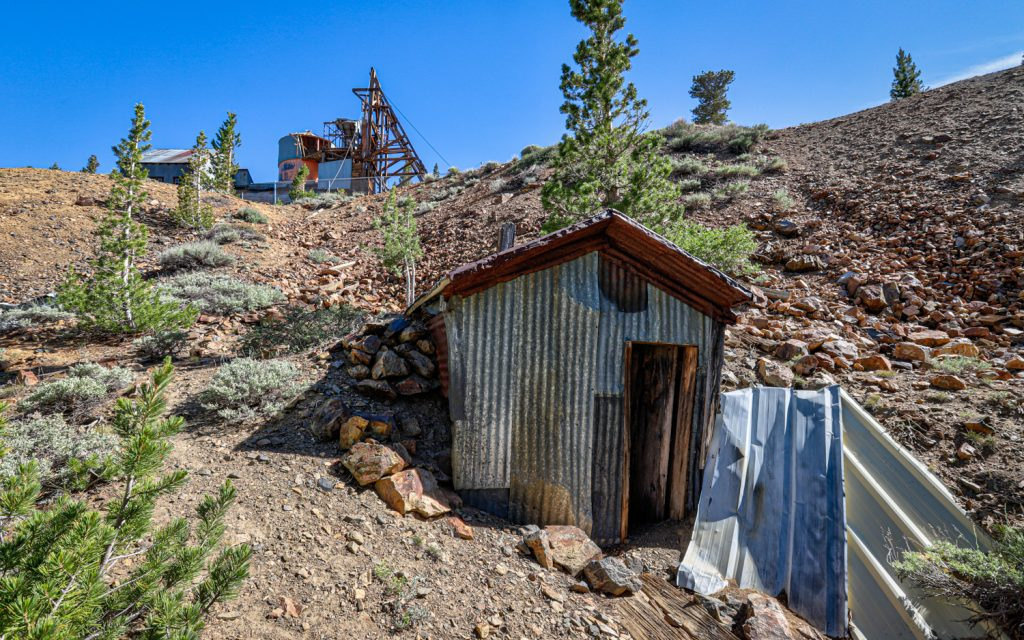 Log Cabin abandoned gold mine