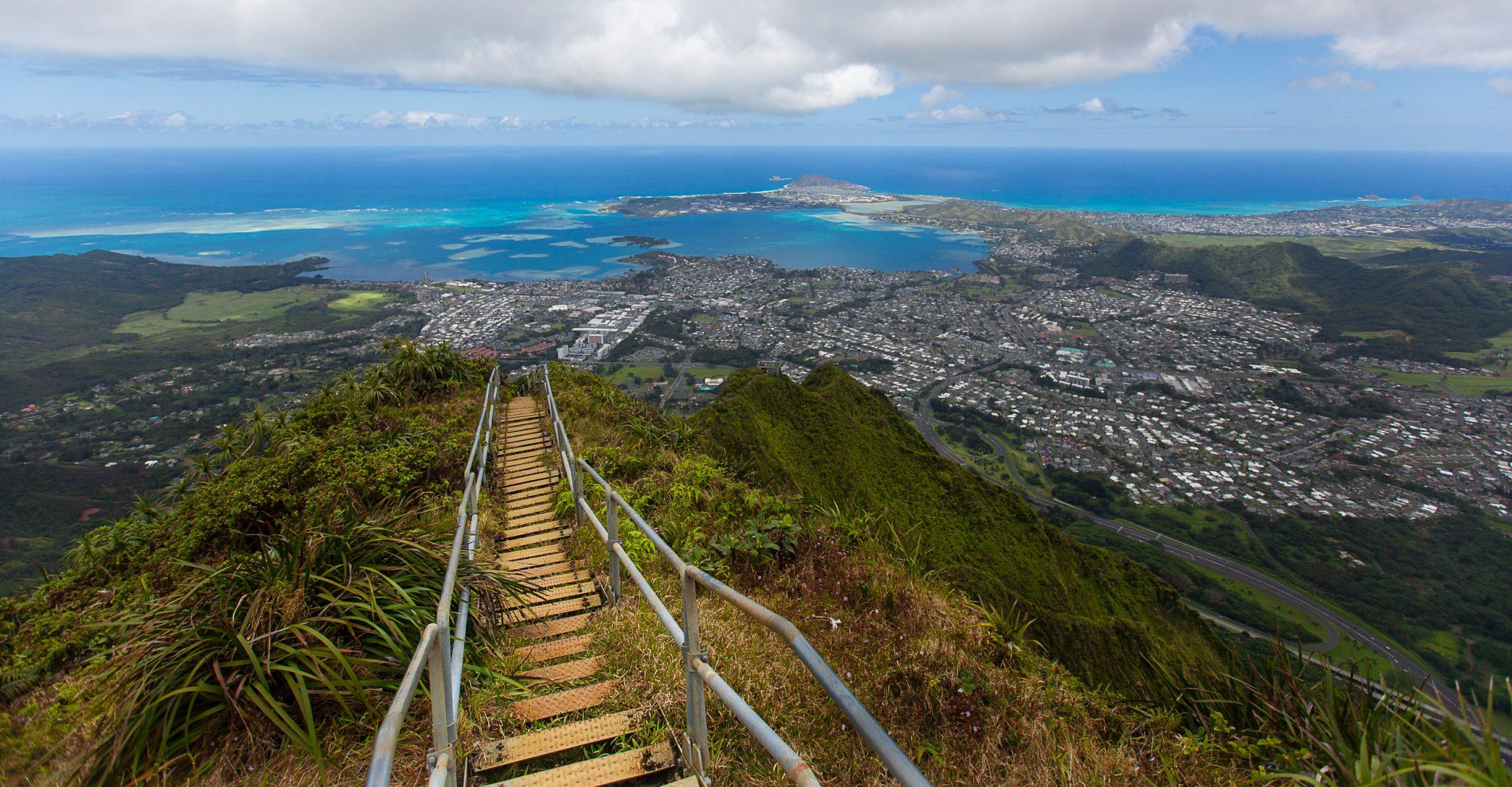 oahu hawaii haiku stairs, stairway to heaven